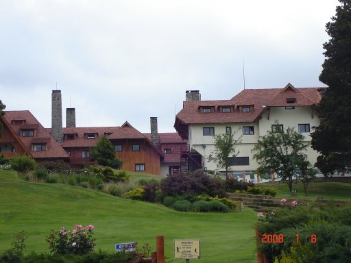 Hotel con jardin